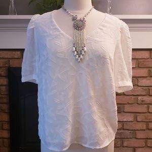 A New Day white size large short sleeve v neck
